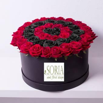 scatola con 50 rose