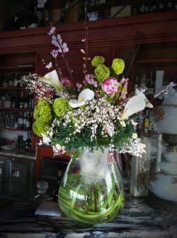 Composizione mista con vaso