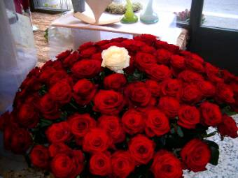OFFERTISSIMA !!! 100 rose rosse a gambo lungo extra!