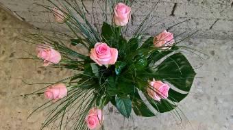 Mazzo 9 Rose con decoro verde