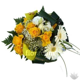 bouquet particolare di rose e gerbere