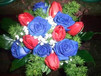 rose blu e tulipani