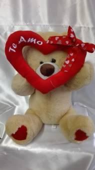 orso con cuore grande