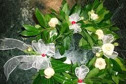 corona per laurea con fiori