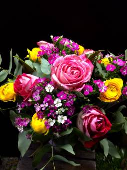 Bouquet colorato tonalità rosa