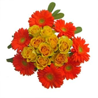 bouquet con 9 rose  arancioni e gerbere