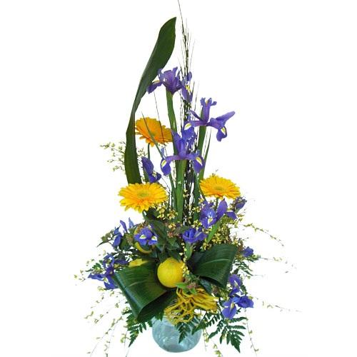 Composizione alta di fiori misti